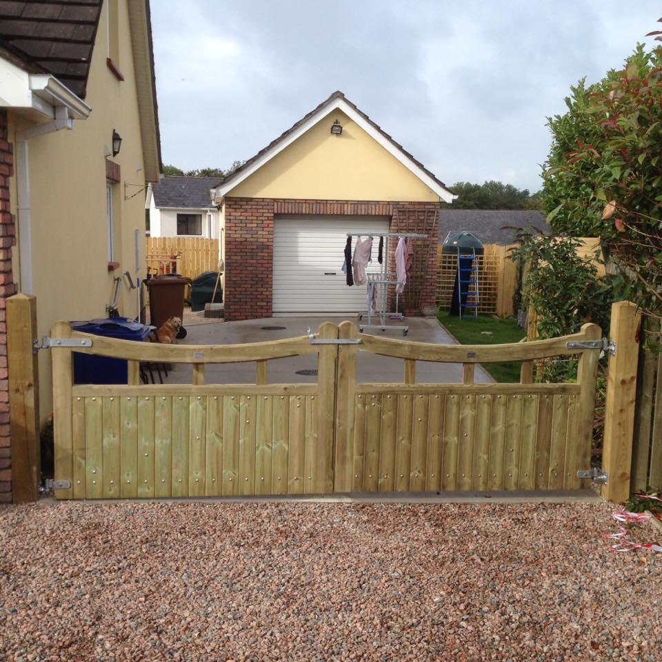 gate-2.jpg