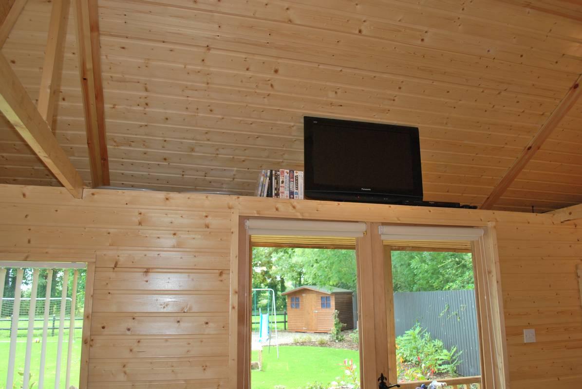 outdoorroom24.jpg